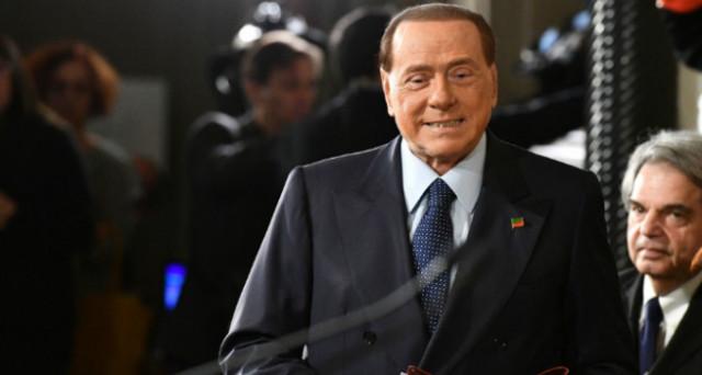 La doppia moneta proposta da Silvio Berlusconi è una boutade estiva, che non porterà a niente. Eppure, i mercati potrebbero averla già presa sul serio.