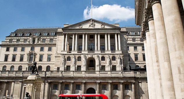 La debolezza strutturale della sterlina imprime delle pressioni sui Gilt e l'economia. Attesa per la decisione della Boe sui tassi d'interesse