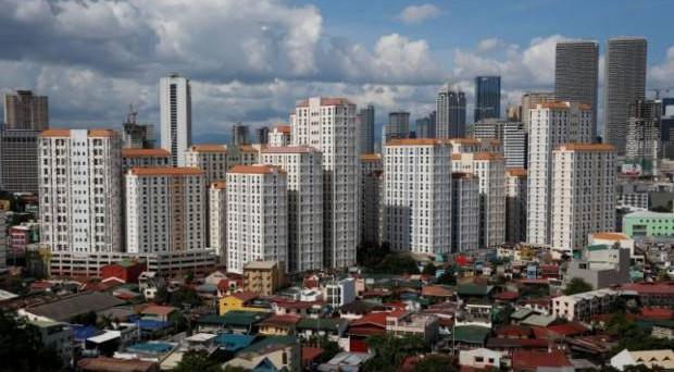 L'economia filippina è in boom e segna una crescita annua superiore al 6% da otto trimestri consecutivi. Ma esistono anche rischi legati al debito pubblico.