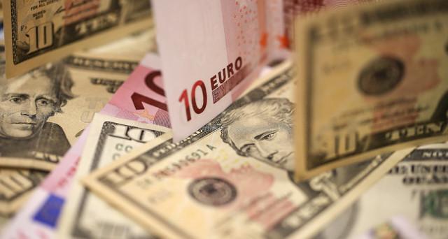 Cambio euro-dollaro ai massimi da due anni e mezzo, ma i rendimenti sovrani nell'Eurozona arretrano. Perché questi due trend divaricanti tra di loro?