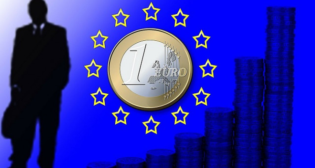 Possibile l'unione politica per salvaguardare l'euro? Se dalle parole si passa ai fatti, scopriamo che non è per niente semplice e che di mezzo c'è il mantenimento o meno delle democrazie nazionali.