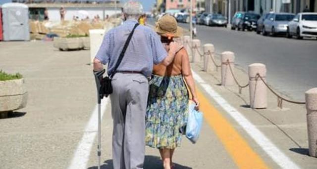 Vita da pensionati: anche la Grecia si aggiunge alle mete più appetibili per godersi la pensione.