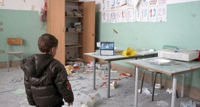Un vero scandalo di cui nessuno parla è il seguente: 9 scuole su 10 non sono antisismiche in un paese ad alto rischio terremoti. Quando si protesterà?