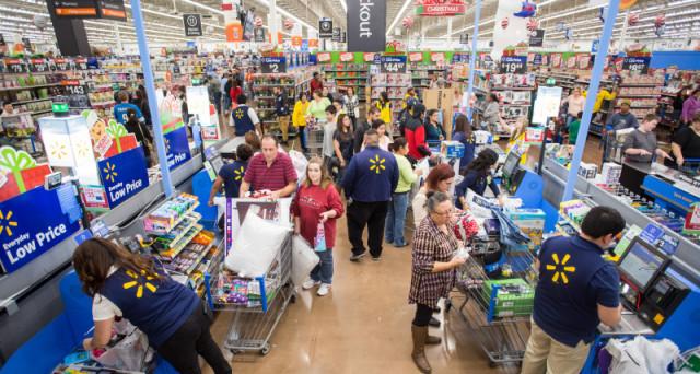 I prezzi in rialzo hanno spinto gli italiani a preferire la spesa low cost al discount: calo delle vendite nei super e iper mercati.