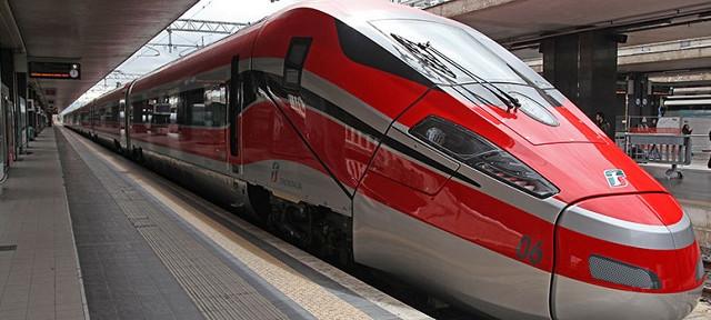 Cosa succede in Trenitalia? Perché non riusciamo a trovare più i treni economici? Ecco cosa è successo: multa di 5 milioni di euro. Scenari.