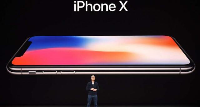iPhone X si presenta come un eccellente smartphone, ma non è una rivoluzione: e se il vero affare fosse iPhone 7 (ora come ora)? Ecco perché.