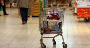 I dati del Rapporto Coop del 2017 sui consumi degli italiani parlano di ripresa, ma anche di abitudini mutate: siamo più violenti e facciamo meno sesso.