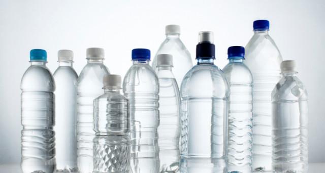 Acqua minerale un business forse senza rivali. E l'Italia è tra i principali mercati di consumo al mondo. Dubbi sulla necessità di trovare alternative all'acqua di rubinetto.