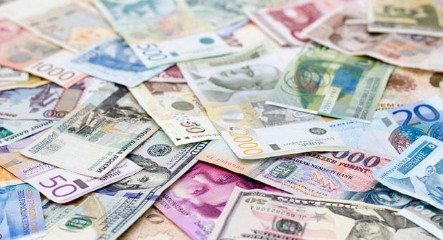Ancora rincari per gli italiani, si parla di 914 euro a famiglia, ma potrebbe superare quota 3.400 euro. Il nuovo anno inizia così.