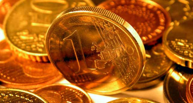 L'euro è sceso dai massimi contro il dollaro, mentre il petrolio è risalito al top degli ultimi 26 mesi. La BCE ne sarebbe contenta, ma queste tendenze serviranno solo a guadagnare tempo.