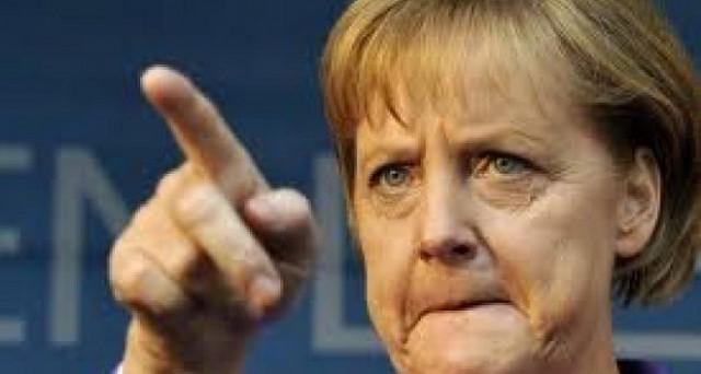 Anche la Merkel interviene sulla questione del calciomercsto 'folle' e del fair play finanziario: vanno riscritte le regole, ma in che modo? Intervento UE?