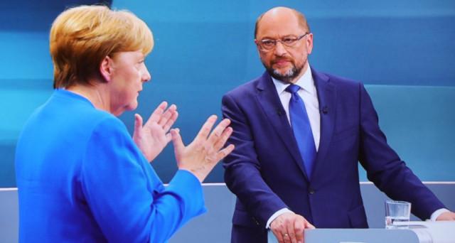 Politica da sbadiglio in Germania, dove a meno di tre settimane dalle elezioni federali, i principali oppositori della cancelliera  Merkel non sembrano affatto battaglieri. L'economia tedesca va fin troppo bene.