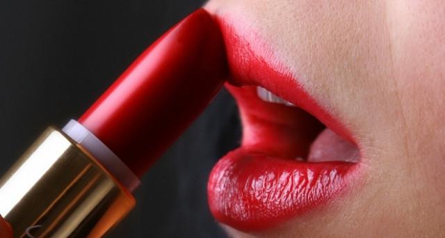 Parte dagli USA una campagna di informazione e trasparenza sulle sostanze contenute nei cosmetici: ecco l'elenco. Focus sul mercato.