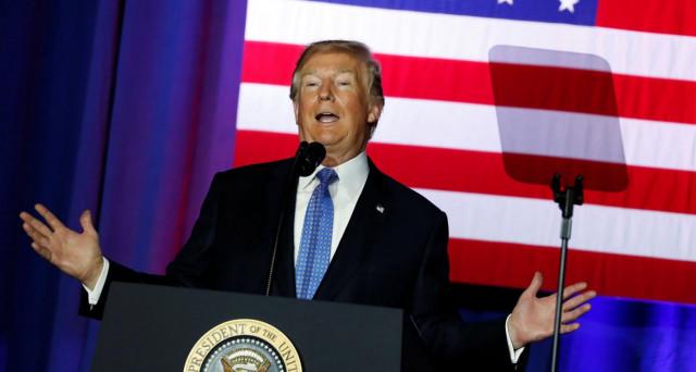 Donald Trump svela finalmente il suo taglio delle tasse, che abbasserà le aliquote per famiglie e imprese. Wall Street ci crede e i mercati si riposizionano. Obiettivo: crescita USA al 3%.