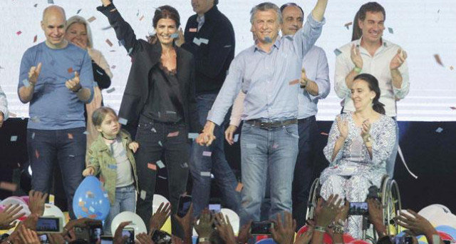 L'Argentina benedice le riforme del presidente Macri e gli consegna una vittoria storica. Sconfitti l'ex presidenta Kirchner e il suo peronismo demagogico.