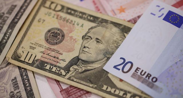 Cambio euro-dollaro ai minimi da 3 mesi