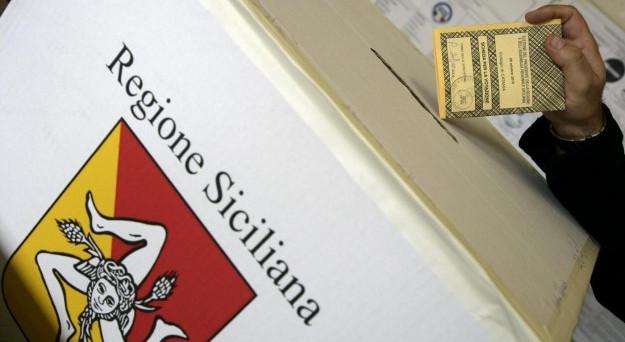 Il sondaggio elettorale sulle prossime elezioni regionali in Sicilia è stato condotto dall'istituto Piepoli: Centrodestra in testa.
