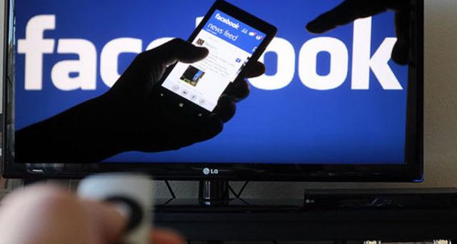 Duro colpo di Facebook ai media con l'ultima novità testata in sei paesi. A rischiare maggiormente sono i piccoli organi di informazione.