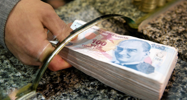 Lira turca crollata del 6% stanotte