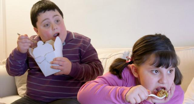 Più obesi che sottopeso. E' il mondo dei bambini nel mondo tra qualche anno. Che ci serva la spinta
