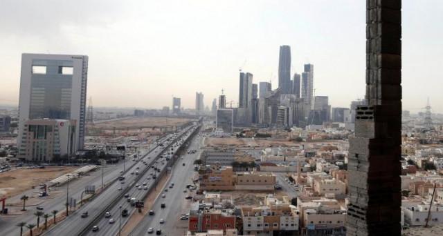 Il futuro è adesso in Arabia Saudita. Il Principe Mohammed bin Salman svela il progetto di costruzione di una mega-città nel deserto, che sarebbe una City finanziaria di livello mondiale.