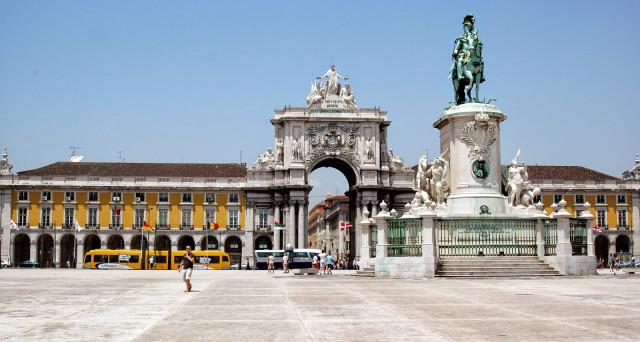 Portogallo esce dalla crisi e vira a sinistra