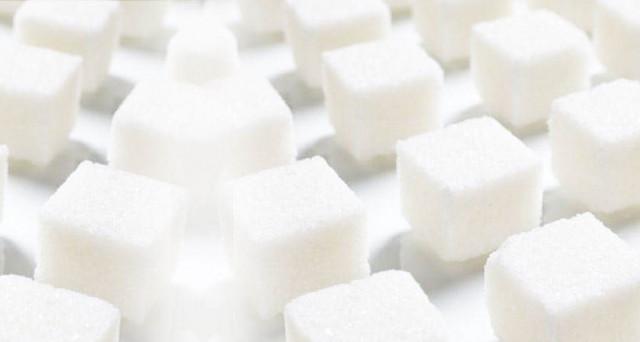 Liberalizzata la produzione di zucchero, che da oggi dice addio al sistema delle quote nella UE. I prezzi potrebbero crollare fino al 40%.