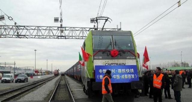 E' partito il primo treno merci che collegherà Italia e Cina attraverso la via della seta. E in futuro tre convogli a settimana.
