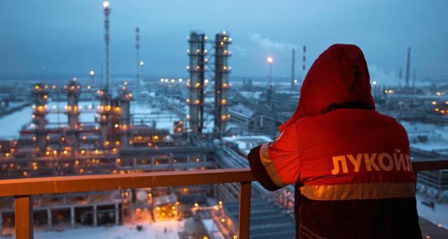 Accordo OPEC sul taglio della produzione di petrolio prossimo al rinnovo per tutto il 2018. E la Russia partecipa dall'esterno, ma potrebbe