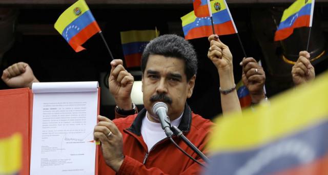Trattative al via in Venezuela con i creditori privati per evitare il default, mentre con la Russia è già accordo per la ristrutturazione del debito.