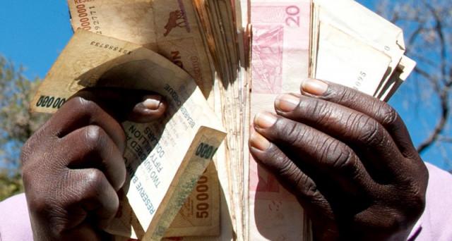 Quotazioni doppie per i Bitcoin in Zimbabwe, dov'è in corso un golpe che ha deposto la dittatura di Robert Mugabe. Ma le ragioni del boom sono economiche.