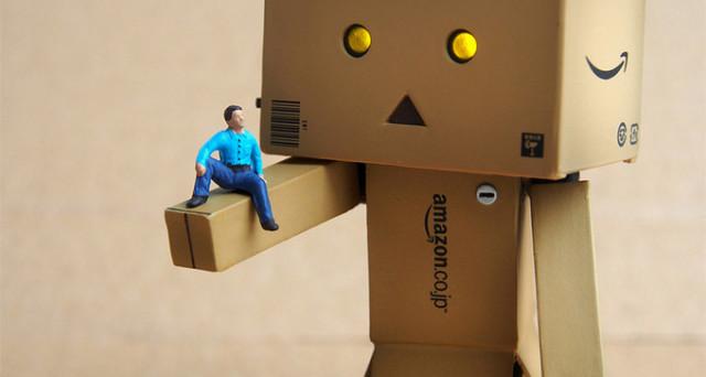 Amazon potrebbe far debuttare nelle case di tutto il mondo Vesta, nome in codice del progetto che ha al centro il cosiddetto robot da compagnia.