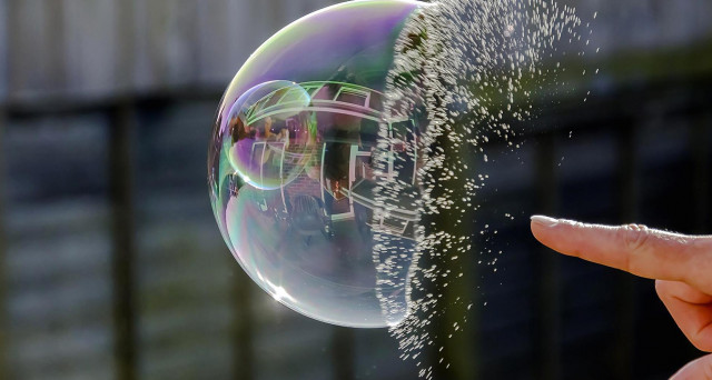 Bolla finanziaria a 10 anni dalla crisi