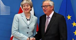 Brexit, accordo con UE non scalda la sterlina