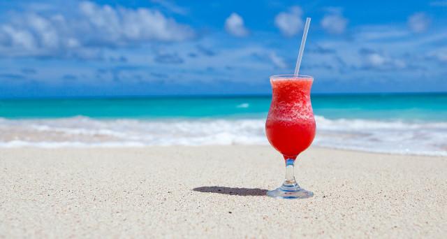 Una rarità in Italia: azienda regala vacanza ai Caraibi a 27 dipendenti per festeggiare 30 anni di attività.