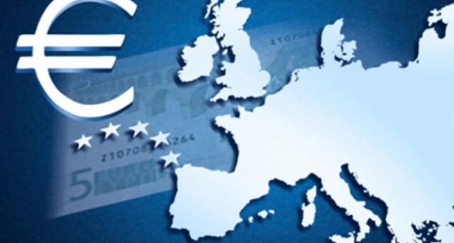 Rendimenti europei in discesa e ai minimi da mesi, mentre l'economia nell'area accelera e l'inflazione resta bassa. Sembra uno scenario da sogno, ma i rischi sono dietro l'angolo.