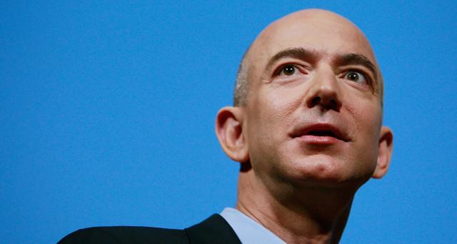 Amazon ha in mente un progetto che permetterà di pagare nei negozi direttamente con la mano.