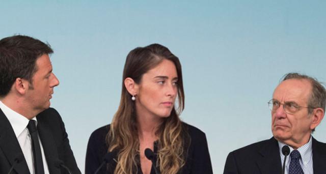La crisi delle banche compie un altro passo nella direzione di colpire il segretario del PD, Matteo Renzi. Il suo braccio destro nel governo, Maria Elena Boschi, è stata
