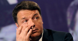Crisi PD, Renzi resta solo