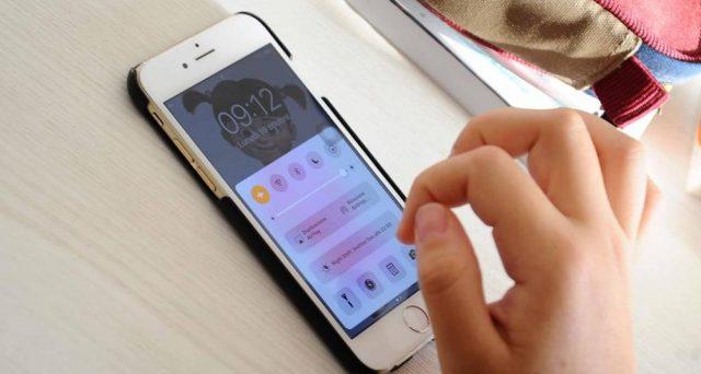 Da un'indagine di Altroconsumo sono emersi i costi nascosti degli operatori telefonici, quelli che ci vengono spesso omessi, solo Fastweb si distingue.