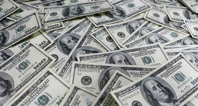 L'impatto del dollaro debole sull'economia mondiale