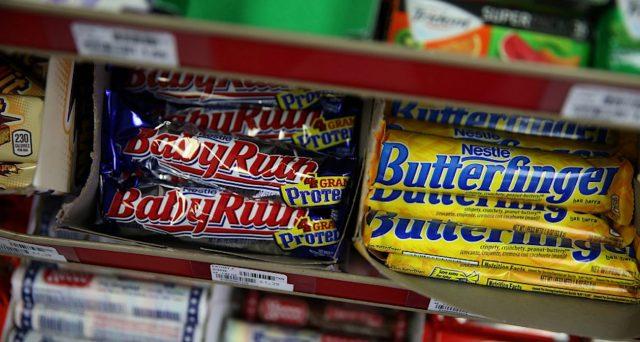 La Ferrero si compra cioccolatini e caramelle Nestlè in America per 2,3 miliardi, meno di un quarto del suo fatturato annuo.