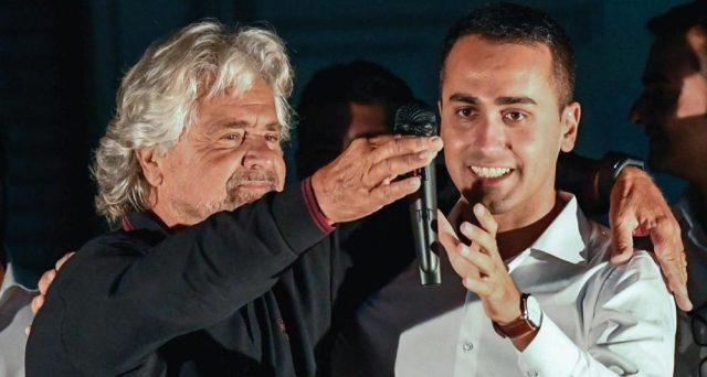 Beppe Grillo non farà campagna per il Movimento 5 Stelle sotto elezioni, ma dietro ci sarebbe una precisa strategia. Vediamo quale.