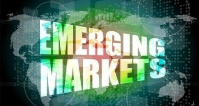 Mercati emergenti in festa sul dollaro debole, ma la festa potrebbe finire molto presto. Queste economie si reggono spesso su equilibri delicati.