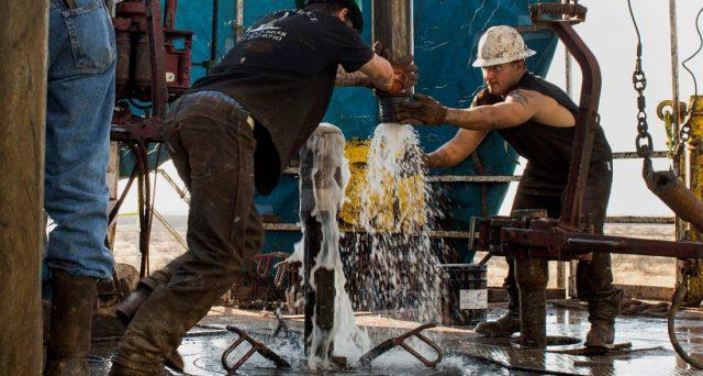 Il petrolio scende dai 70 dollari, picco massimo da 3 anni a questa parte. Prima di immaginare una risalita ancora maggiore, bisogna guardare bene a cosa accade in America.