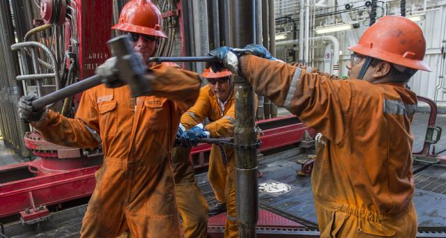 Petrolio ai massimi da quasi 3 anni. Il sentiment sui mercati è