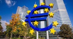 Tassi BCE fermi, tra poco la conferenza stampa del governatore Mario Draghi.