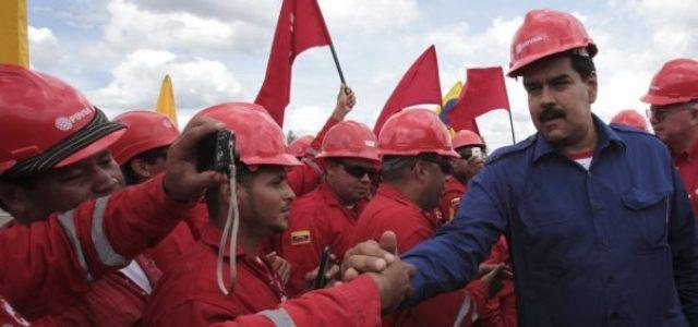 Il petrolio sfonda i 70 dollari al barile, ma a Caracas non se ne accorgono. La crisi della compagnia statale si aggrava e lascia il Venezuela senza dollari sufficienti per sopravvivere.