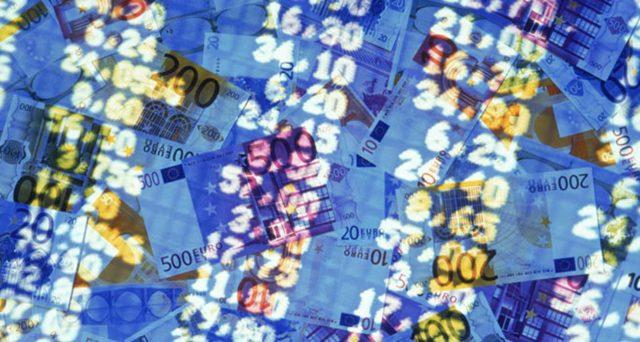Le banche italiane stanno vendendo BTp a ritmi da record. Ma è il caso di gridare all'allarme?