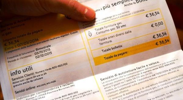 Il caso delle bollette morose di luce e gas a carico degli utenti in regola è solo l'ultimo di un'Italia che colpisce chi si comporta bene e favorisce la cialtroneria sociale.